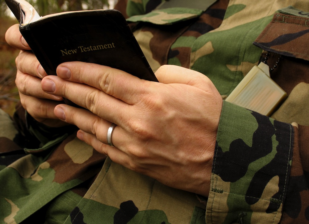 Soldier-Reading-Bible