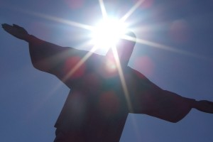 rio-jesus-with-light-shining-through (1)
